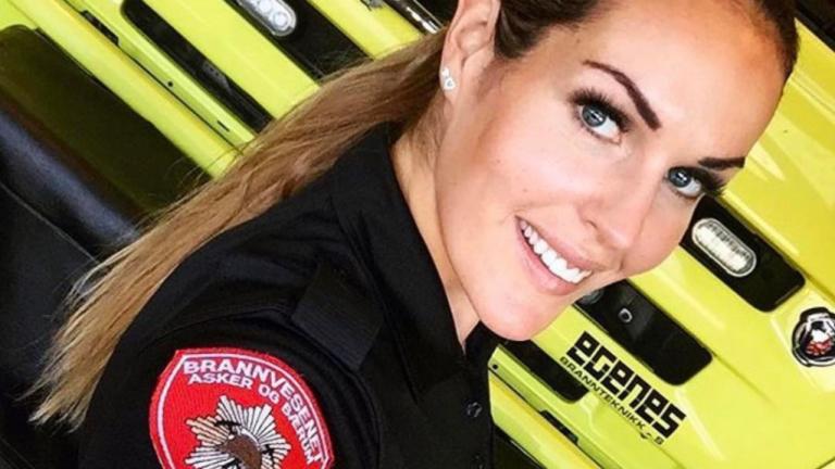 Горещо! Най-сексапилната пожарникарка ( СНИМКИ)
