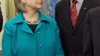 Книга разкрива възможна смяна на Байдън с Клинтън