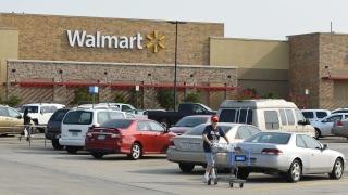 Американската верига Walmart затваря близо 270 магазина по света