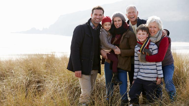 Българите са умерено толерантни, когато става дума за семейните отношения.