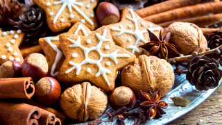 Коледни бисквитки с кокосово масло