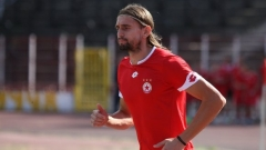 Александър Бранеков все пак ще продължи футболната си кариера