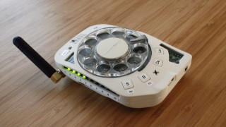 Мобилен телефон, но с шайба