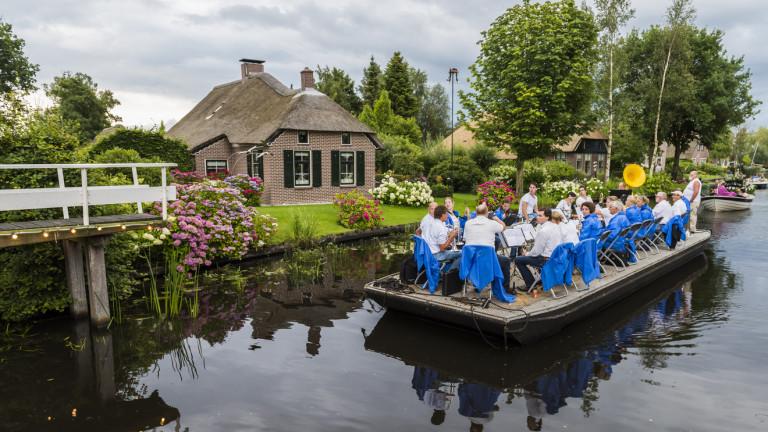 Известна ни е любовта на холандците към велосипедите. Славата им