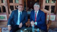 Борисов и руският посланик разговаряха за енергетиката в Троянския манастир