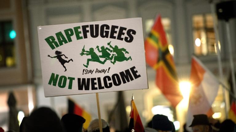 Франция забрани протестна демонстрация срещу бежанците в Кале
