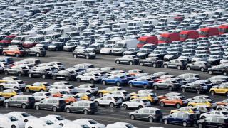 Автомобилният пазар във Великобритания се е свил с 50% за година