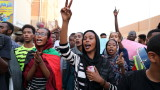 Армията в Судан и цивилната опозиция подписаха историческо споразумение