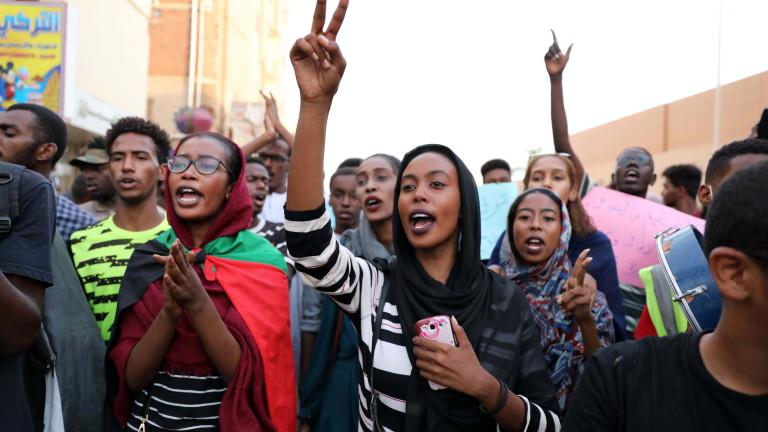 Управляващият военен съвет в Судан и гражданският опозиционен алианс подписаха