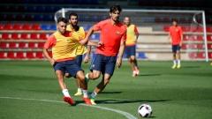 Барселона започна подготовка с 15 футболисти