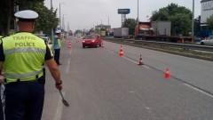 Пенсионер блъсна полицай на мотор