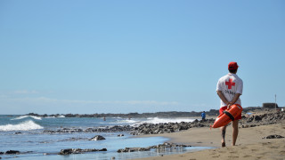 По-малко спасители остават по плажовете през септември