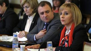 Отхвърлиха искането на Плевнелиев за референдум