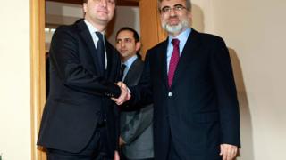 Правим газопровод и обща фирма за ток с Турция