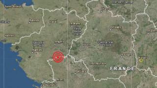 Земетресение от 4.8 по Рихтер разтресе Западна Франция