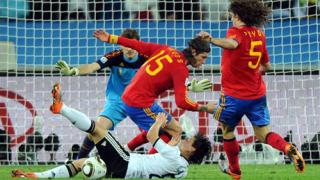 Холандия и Испания ще определят новия шампион