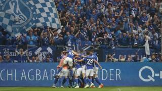 Шалке се утвърди на второто място в Бундеслигата след триумф в дербито на Рур