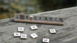 Нивото на безработица в света намалява, но броят на безработните расте