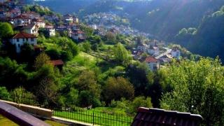 Жителите на кюстендилско село сами си правят водопровод