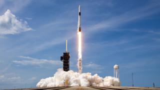 Ракета на SpaceX изстреля в орбита нова партида спътници