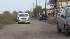 Полицията на крак - бандюга с брадва прави меле в Трудовец