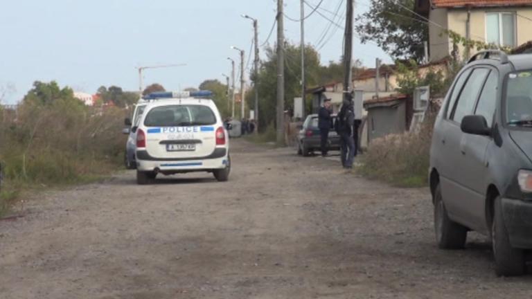Куче ухапа полицай в Кюстендилско