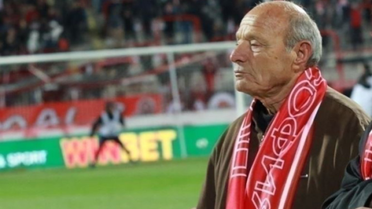 Иван Василев-Катила: Илиан Илиев е най-добрият треньор в България, не е хубаво за футбола, че Лудогорец са толкова напред