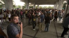 Не на новите такси за обучение в УНСС, студентите не са дойни крави