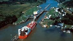 Панамският канал въвежда ограничения за големи кораби