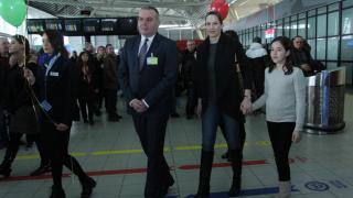 Симфоничен оркестър посрещна 4-милионния пътник на Летище София