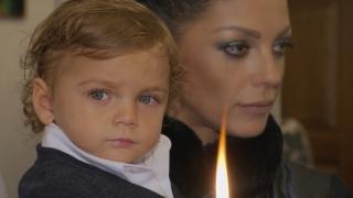 Емануела показа кадри от кръщенето на сина си (СНИМКИ)