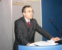 Външно вика македонския посланик за инцидента в Скопие