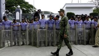 Филипинският диктатор Фердинанд Маркос погребван с военни почести