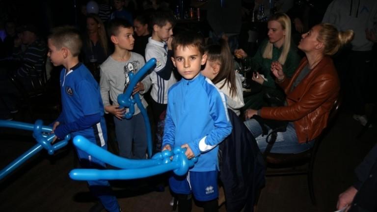 Синята общност събра средства за малката Дани