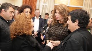 Законът за защита на малцинствата в Албания ще се спазва, уверена Йотова