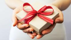 БЧК-Сливен зарадва 1000 социално слаби деца за Коледа