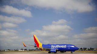 Мъж от Флорида опипвал жена в самолет, оправда се с Доналд Тръмп