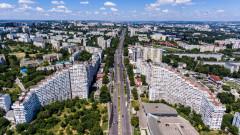 Бурно недоволство в Молдова срещу свещеник, влачил куче с колата си