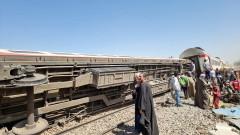 Десетки загинали при катастрофа на два влака в Египет