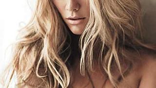 Бруклин Декър със секси фотосесия за GQ