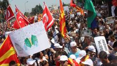 """""""Нема правда, нема мир"""", скандираха 60 хиляди в Скопие"""