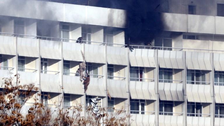 Терористична атака във военна академия в Кабул