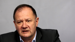 Конфликтът Нинова-Станишев бил личен според Миков