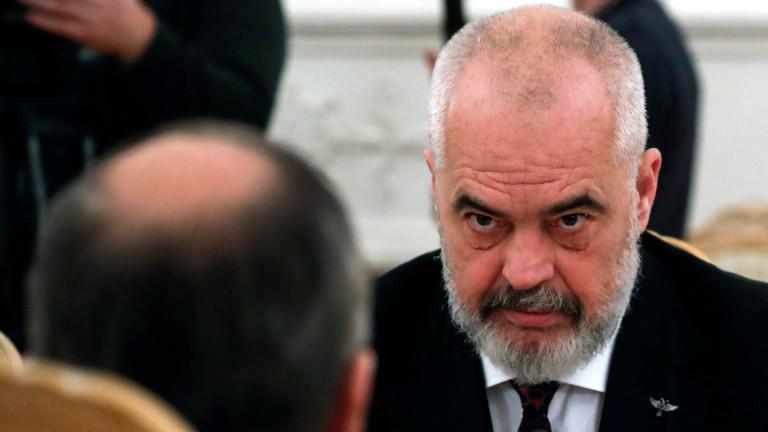 Премиерът на Албания защити президента на Косово Хашим Тачи. Еди