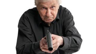 Пенсионер простреля момче с газов пистолет