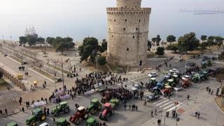 Гръцките фермери засилват натиска с изненадващи и по-дълги блокади