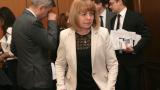 """Книжният пазар на """"Славейков"""" остава, обеща Фандъкова"""