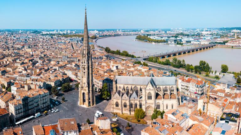 Ранени и изчезнали при силна експлозия в Бордо