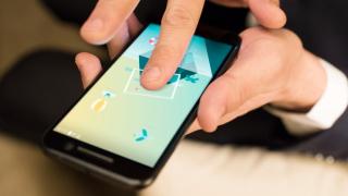 HTC със загуба и рекорден спад на пазарния дял