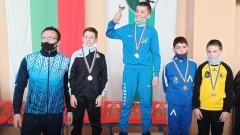 Внукът на Янко Шопов сред медалистите на Държавното първенство по борба за деца